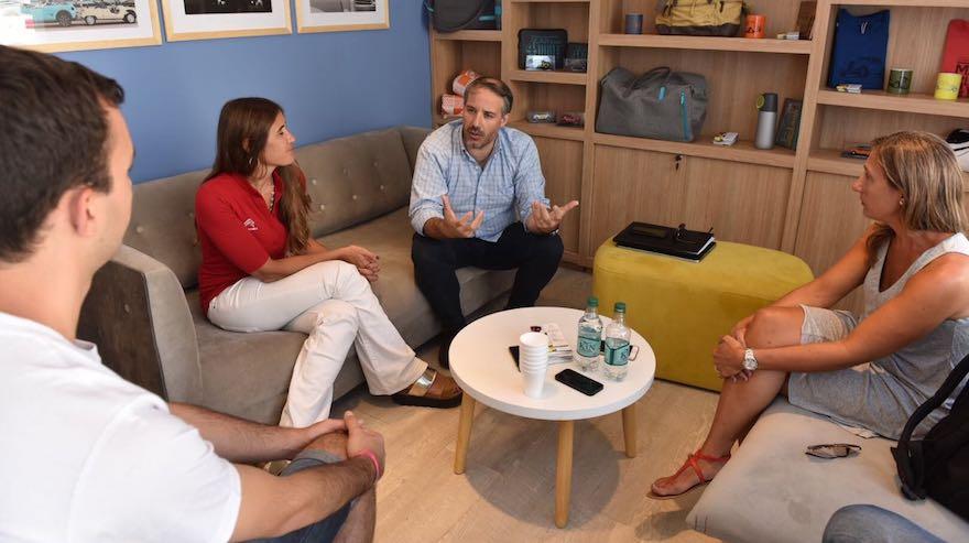 En la última entrevista realizada en Cariló, junto a Rodrigo Pérez Graziano, director de Relaciones Externas