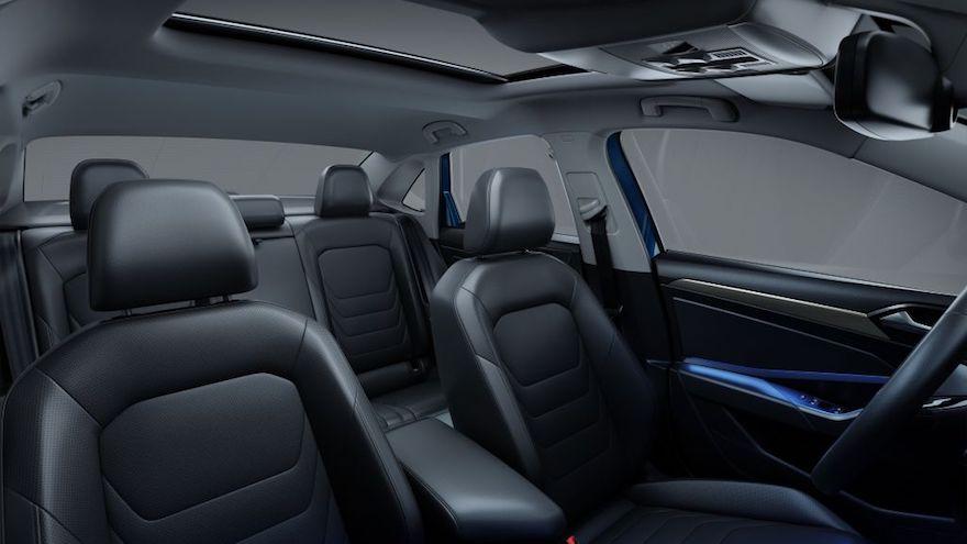 La iluminación Ambient Light del nuevo Vento permite elegir entre 10 tonos de luces para el interior