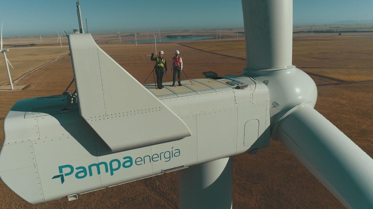 Las turbinas aerogeneradoras pueden causar algunos ruidos y molestias, pero igual su impacto al medioambientees bajo