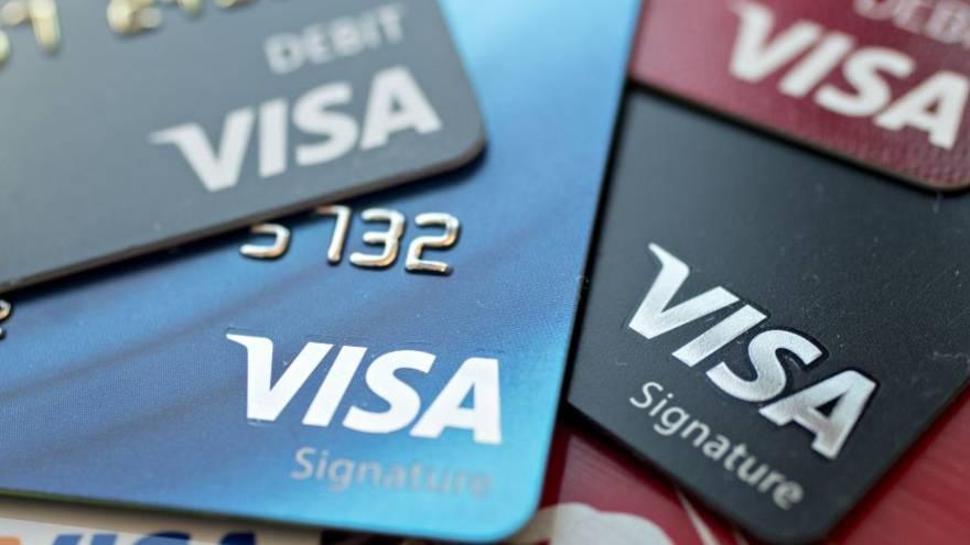 En medio de la crisis, el uso de tarjetas crece de manera acelerada.