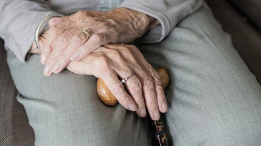 La app también apunta a cuidar a los adultos mayores