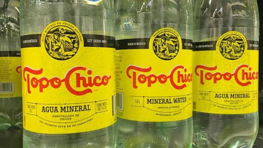 ¡Paren todo!; Coca Cola está preparando una Topo Chico... ¡con alcohol!