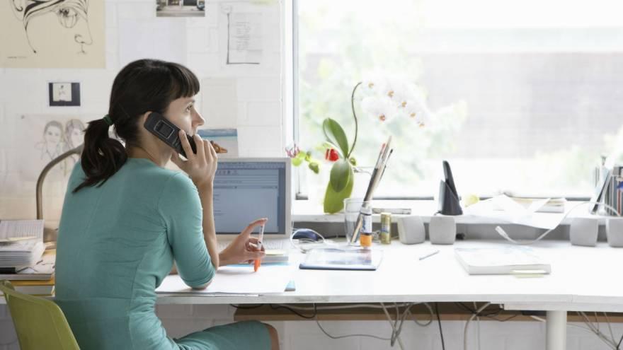 Trabajar desde casa es posible gracias a las tecnologías de la información y la comunicación.