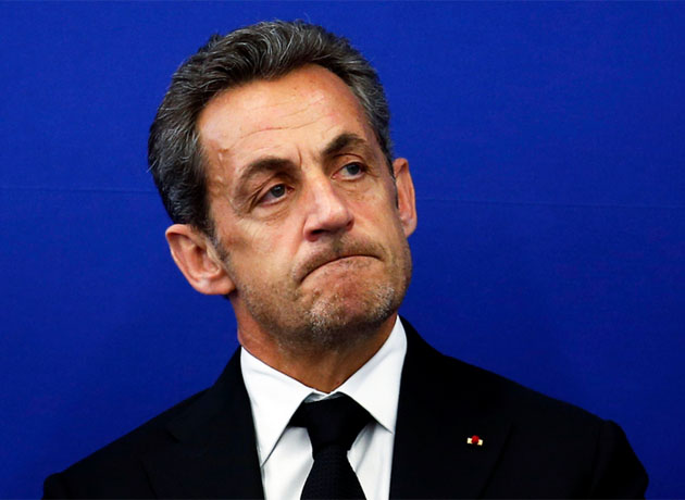 El expresidente francés Nicolas Sarkozy fue condenado este lunes a tres años de cárcel