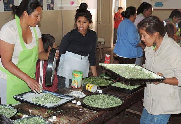 Varias ONG participantes ayudan a comedores comunitarios.