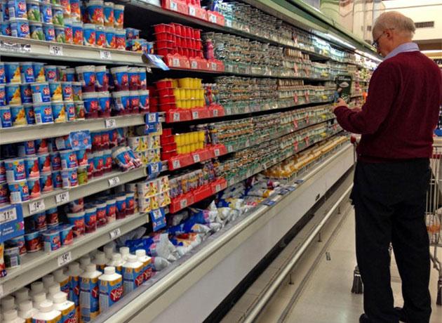 Con bajas perspectivas de exportación, la industria láctea piensa en nuevas ofertas al mercado interno para canalizar la sobreproducción de leche