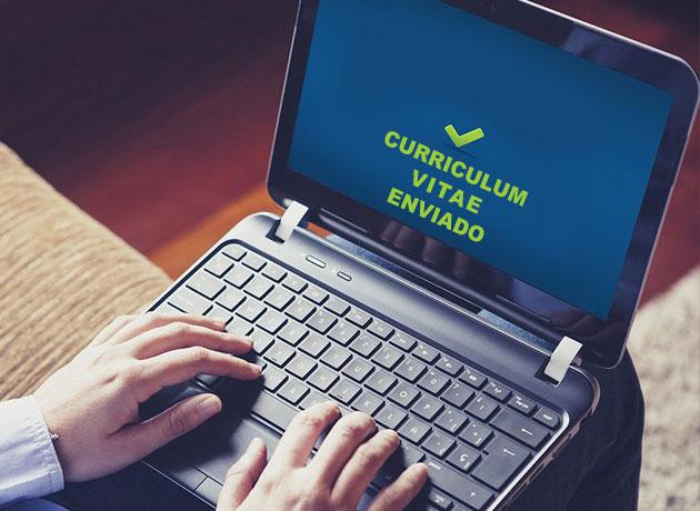 Los portales de empleo y las redes sociales son los canales preferidos para buscar trabajo