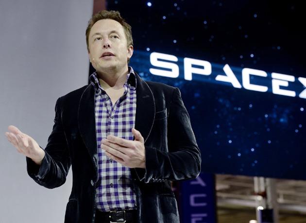 En una época muy sombría de sus finanzas, Elon Musk siguió asumiendo riesgos