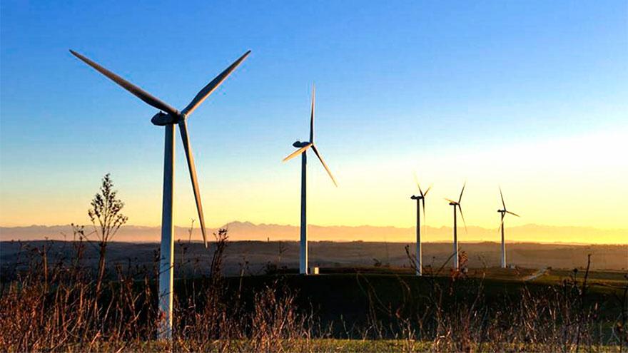 Las energías renovables, donde se destaca la eólica, se imponen cada vez más con la mira en el cuidado ambiental