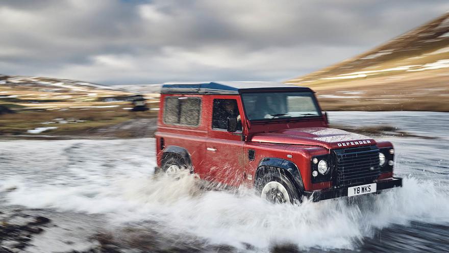 Defender, de las marcas de autos del grupo Jaguar, con Volvo y Land Rover.