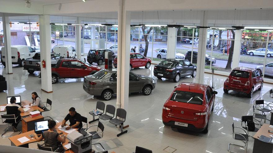 De sobrar el stock, las concesionarias están quedando sin autos.