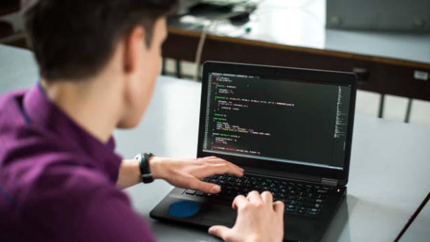 El trabajo de programación informatica tiene mucha demanda.