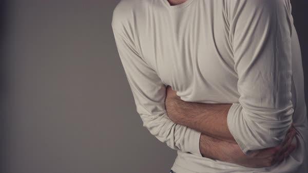 En pocas ocasiones los pólipos intestinales producen síntomas como dolor abdominal