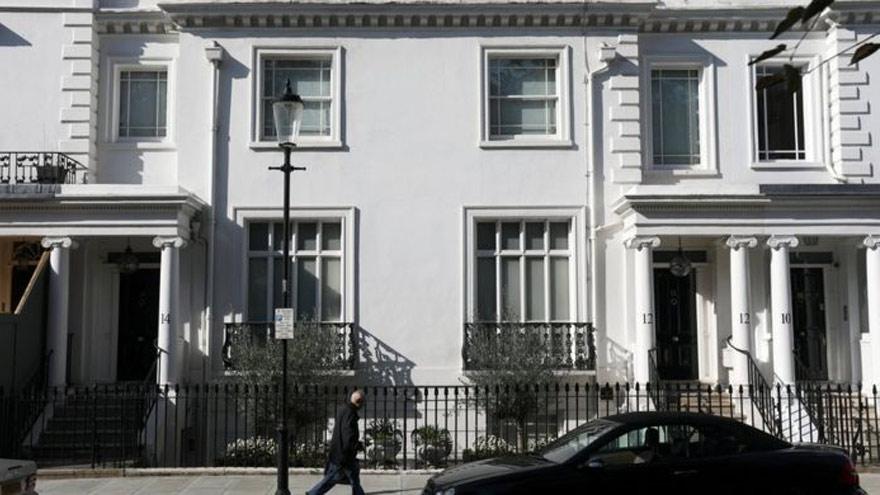 La pareja compró una casa en un exclusivo barrio de Londres.
