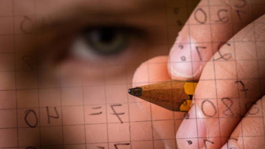 Hay plataformas que permiten que los jóvenes tomen clases virtuales de Matemática