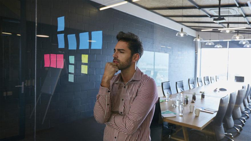 Telecom seleccionará emprendedores y startups para trabajar junto a NAVES y el IAE Business School