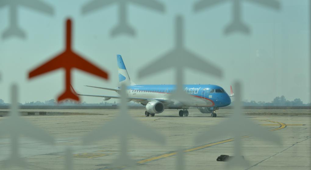 Los 26 aviones de la flota serán pintados con los colores de Aerolíneas Argentinas.