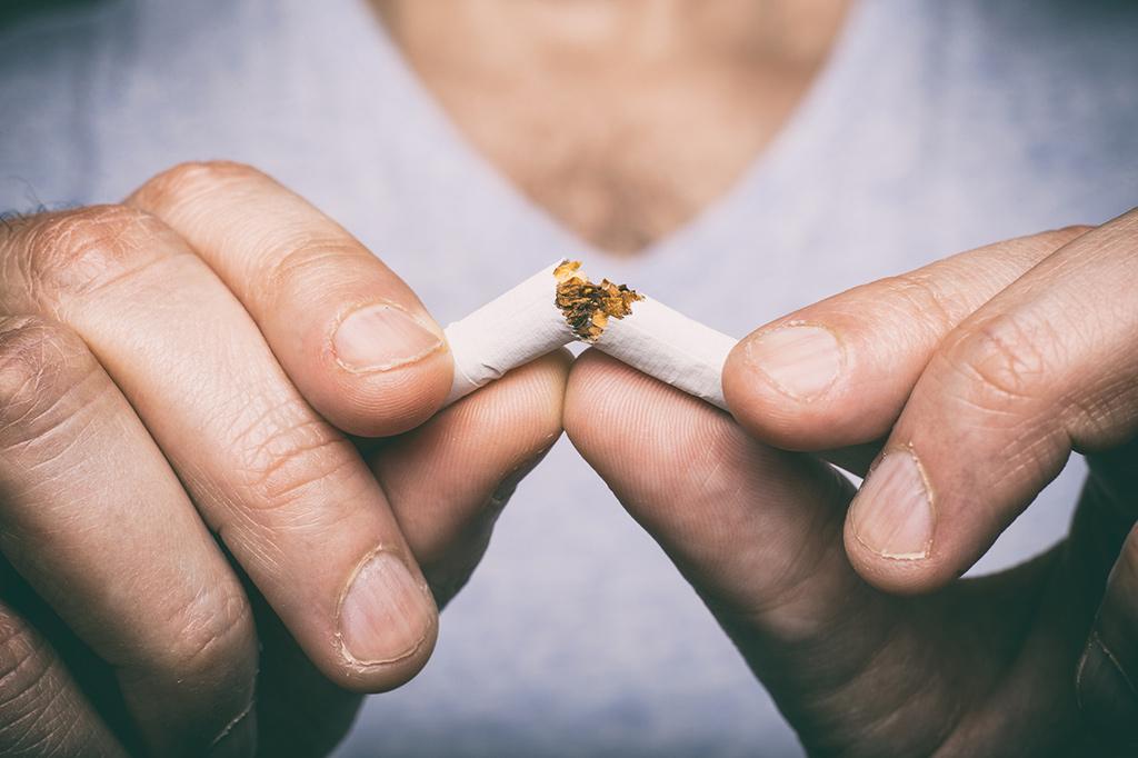 Dejar de fumar puede ser un objetivo difícil de cumplir, pero Cam Doctor te acerca la posibilidad de recibir ayuda profesional