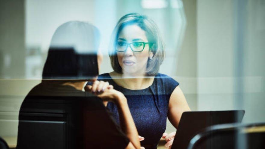 La escucha activa puede generar beneficios también para jefes y líderes que se comunican con sus equipos
