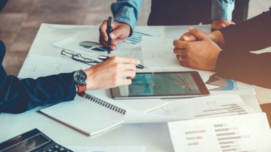 Organización, investigación y análisis llevan al éxito en los negocios