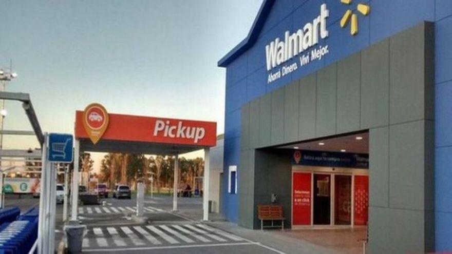 En su paso por Walmart, fue responsable por el desarrollo de la estrategia de comunicación, asuntos públicos y relaciones con organizaciones sociales
