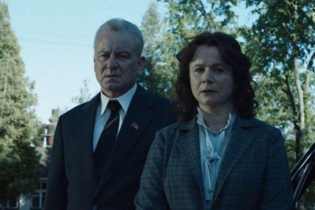 Chernobyl se destaca por las grandes actuaciones de su elenco.
