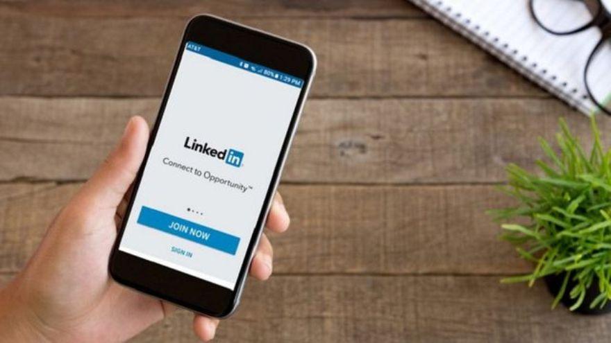 LinkedIn con nuevas recomendaciones para lograr un buen trabajo.