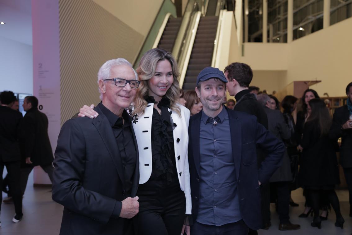Eduardo Costantini y su novia Elina Fernandez junto a Leandro Erlich