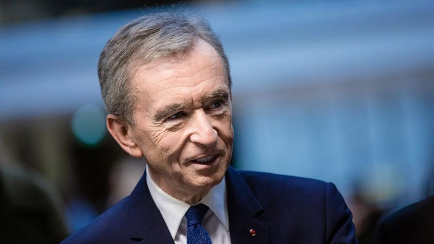 Bernard Arnault, titular de LVMH, por primera vez quedó en el tercer puesto del ranking de los más ricos del mundo
