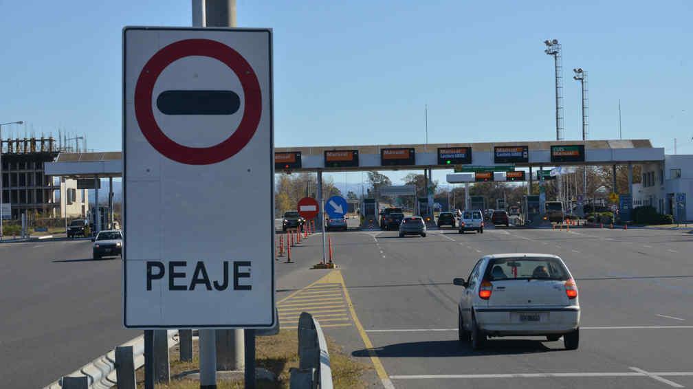 El sistema de TelePase agilizará notablemente el tránsito en las autopistas.