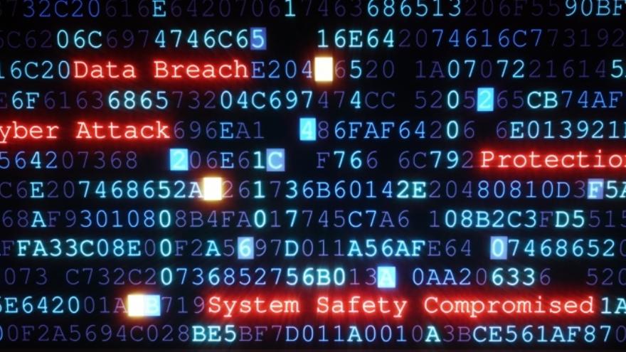 Los delincuentes informáticos buscan fallas tecnológicas y humanas para hacer sus tropelías.