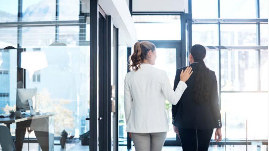 Las empresas pueden hacer una diferencia al acompañar empleados y empleadas víctimas de violencia intrafamiliar