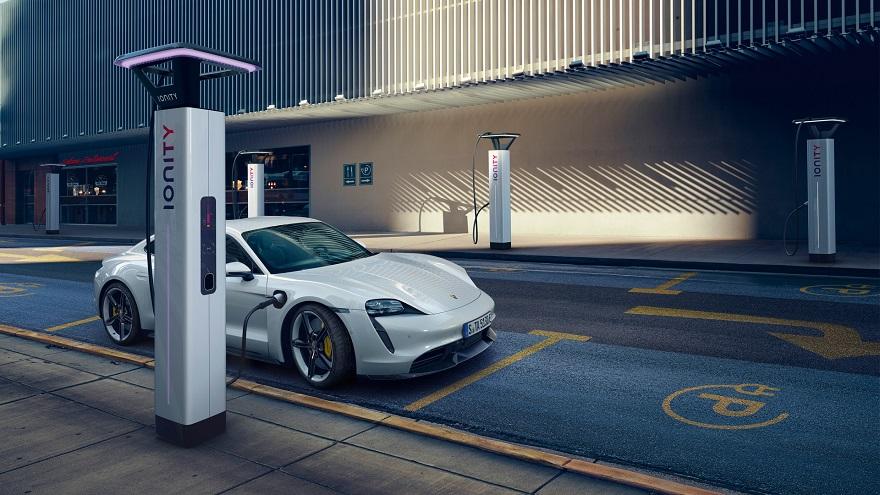 Taycan, entre los autos eléctricos más potentes de Porsche.