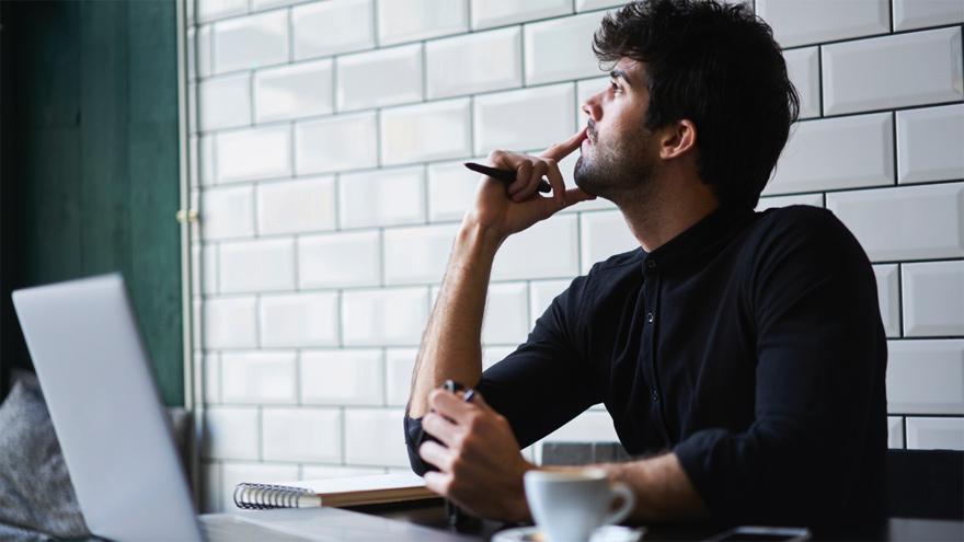 Un escritor fantasma puede ganar buen dinero escribiendo para editoriales