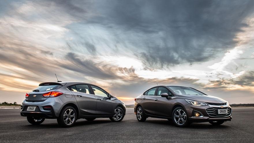 Chevrolet Cruze en sus dos versiones, otro alcanzado por el impuesto interno.
