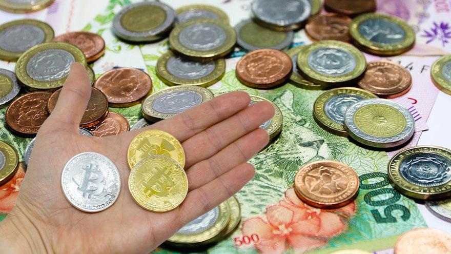 Es una moneda completamente virtual, lo que hace que sea ideal para realizar transacciones y pagos internacionales.