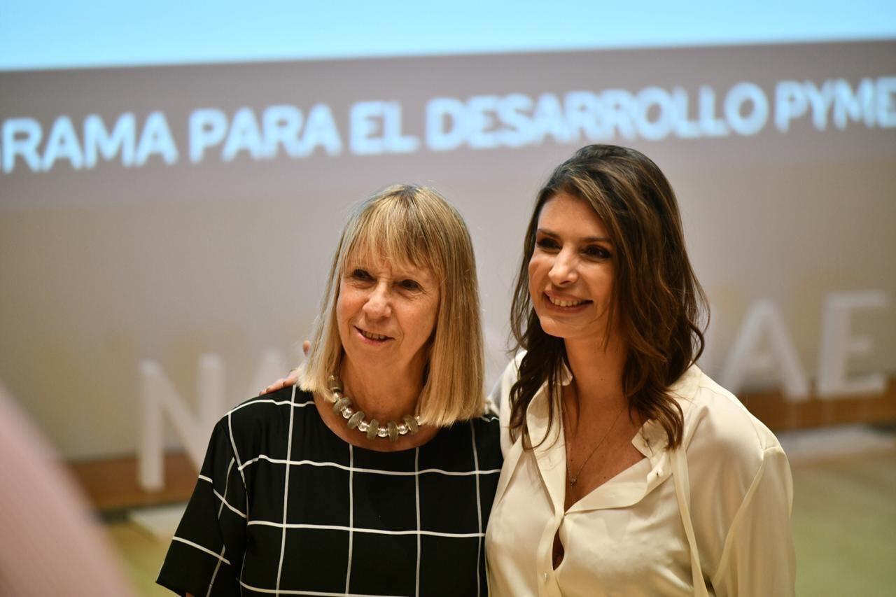 Silvia Torres Carbonell, Directora de IAE & Milagro Medrano, Gerente de Relaciones Institucionales y Atención al Cliente de Banco Macro.