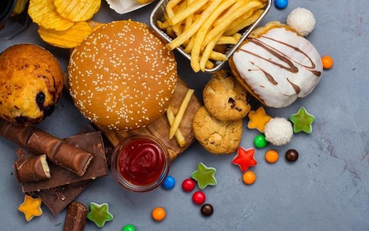 Muchos de estos alimentos contienen grasas trans y aceites hidrogenados