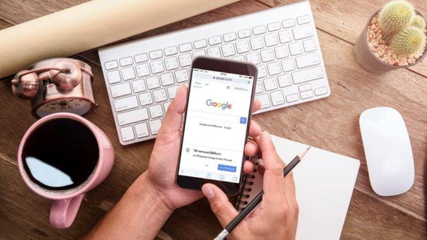 Podés encontrar documentos de investigación haciendo una búsqueda en Google Académico