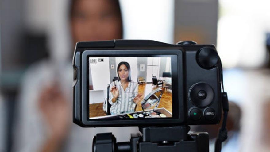 Los sistemas de IA evalúan candidatos mediante sus presentaciones en video