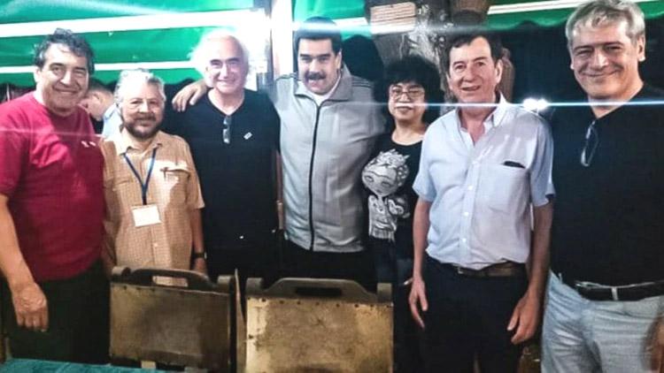 El grupo de la CTA junto a Nicolás Maduro.