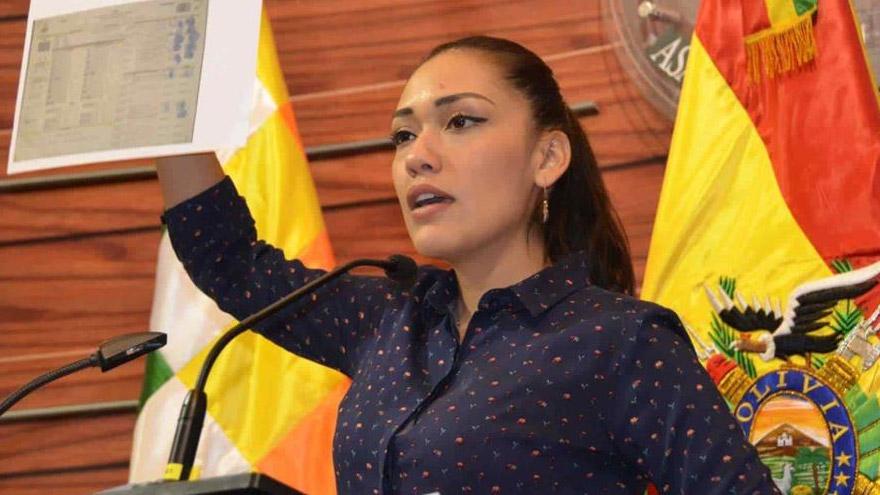 Adriana Salvatierra, presidenta del Senado.