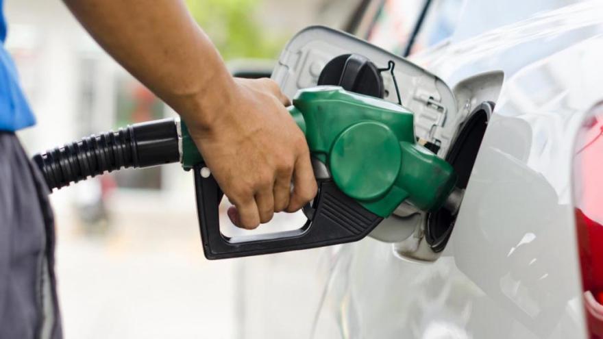 Enero caliente: el año comenzó con un encarecimiento importante de los combustibles.
