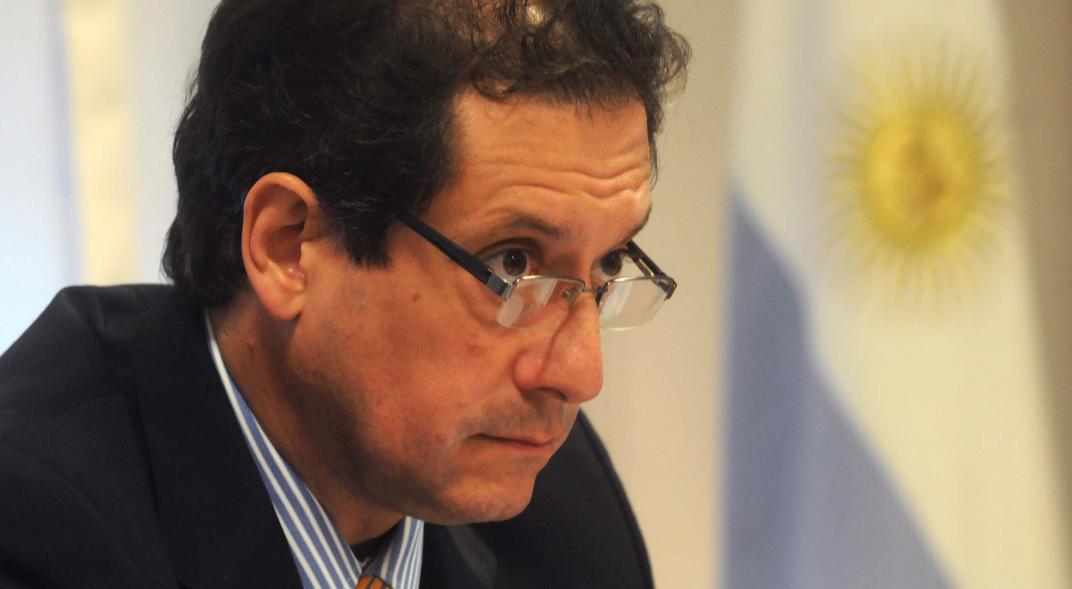 El presidente del BCRA, Miguel Pesce, le había prometido a la UIA instrumentar un mecanismo para que los bancos compren bonos de empresas
