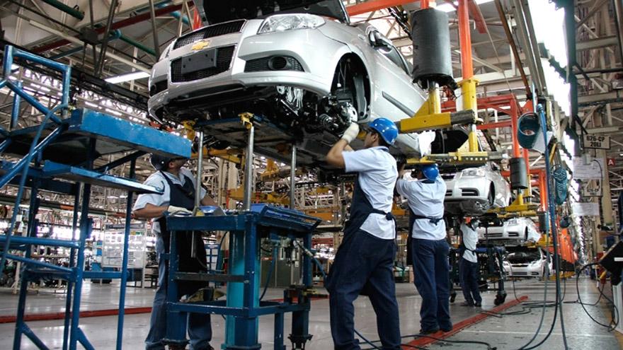 Segun el informe de ADEFA, los números del 2020 retrotraen a la industria a los registros del 2004
