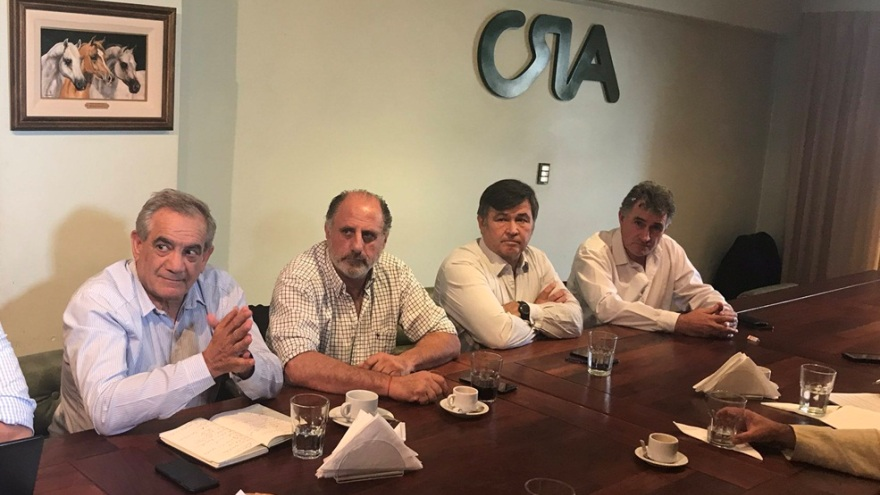 La mesa de Enlace contra el cierre de las exportaciones de maiz