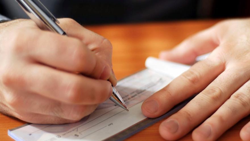 Las cuentas corrientes permiten financiarse utilizando cheques
