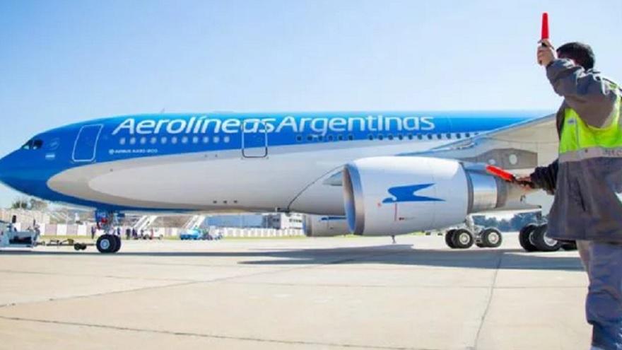 El gremio de aeronavegantes ya informó que no aceptará cambios en los porcentajes salariales.