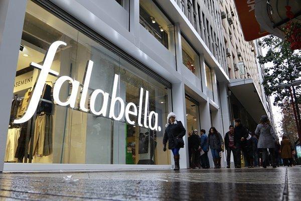 La decisión de Falabella generó alarma y reforzó la idea del