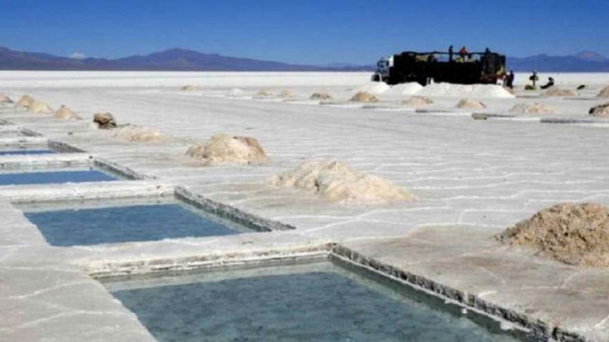 La explotación de litio, uno de los objetivos en el plan minero de YPF